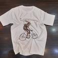 نمونه چاپ شده تیشرت طرح فانتزی گوزن دوچرخه سوار